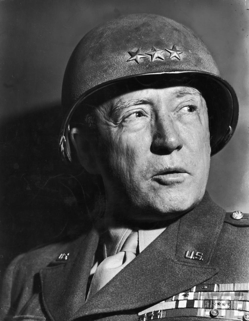 gen. George Patton Jr, dowódca III Armii USA