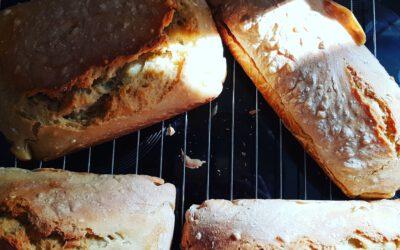 Jak upiec chleb. Poradnik wieloletniego praktyka